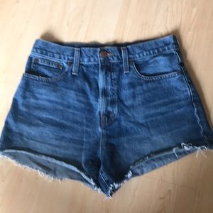 Madewell / The Perfect Jean Short / 27